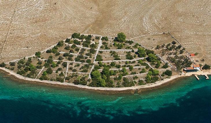Drywalls in Kornati archipelago, Croatia