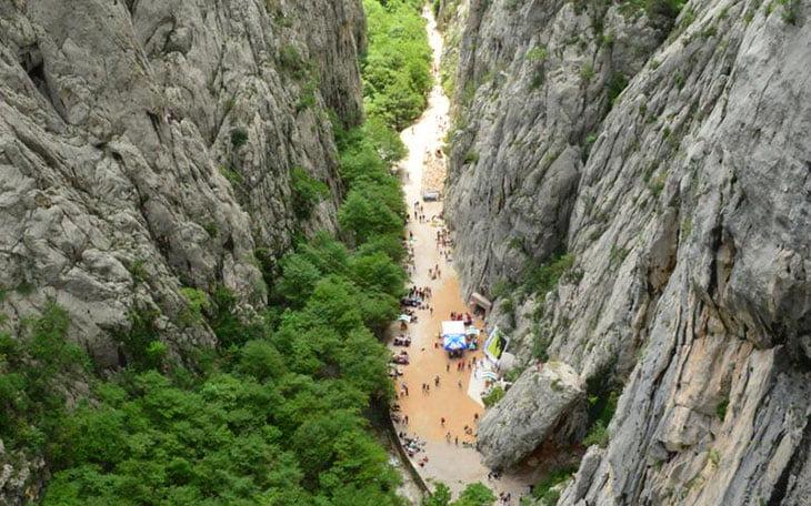 Paklenica canyon climbing
