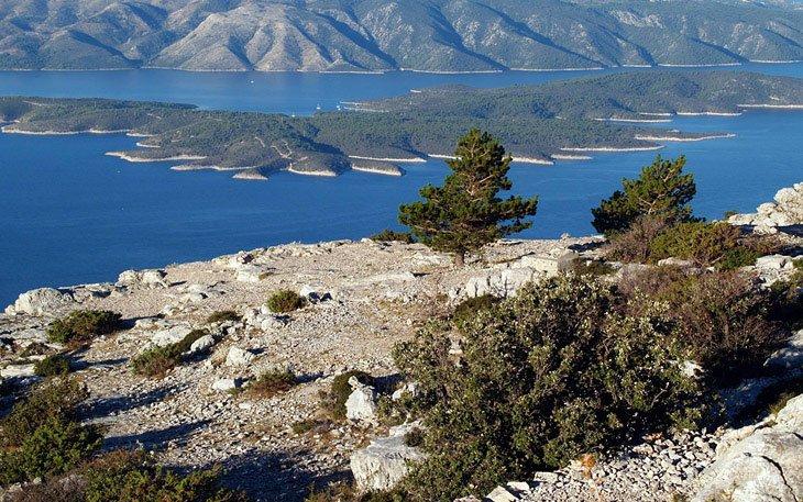 Hiking on Vidova Gora