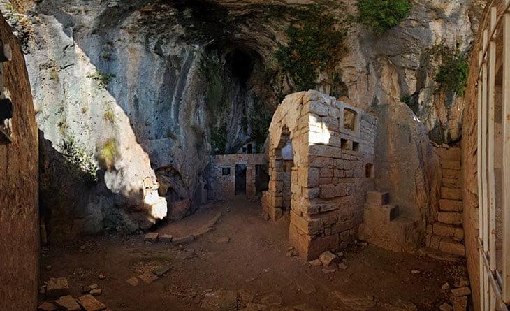 Brac Dragons Cave