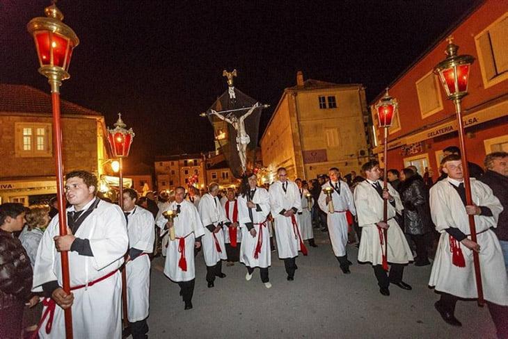 Za Krizen procession - Hvar island