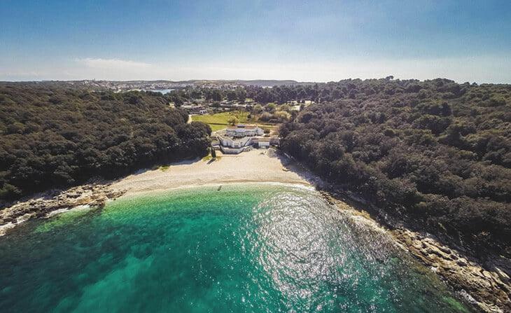 Ambrela beach Pula